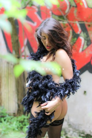 Mahona lovesita escort girl massage tantrique